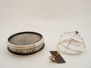 Homing Device with Meteorite - Pendant with stand and lid (open)
