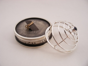 Homing Device with Meteorite - Pendant with stand and lid (3 pieces - open)