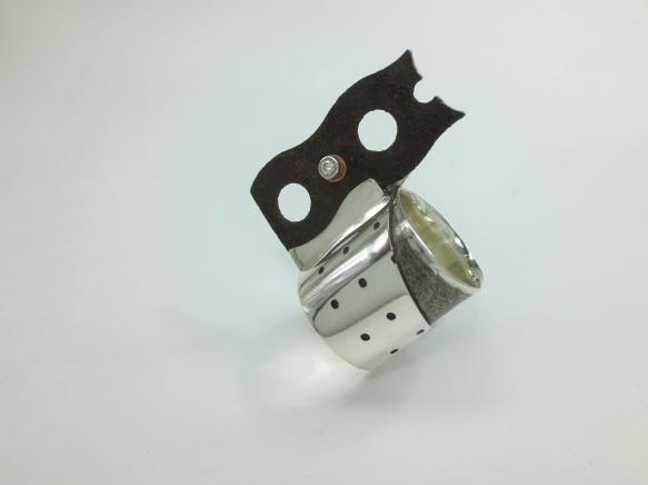 (w)holed - ring
